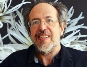 Troublemaker Lee Smolin Says Physics—and Its Laws—Must Evolve*