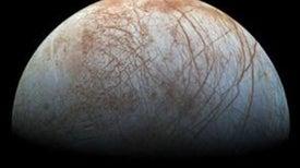 Cassini no encuentra indicios de actividad geológica en la luna Europa