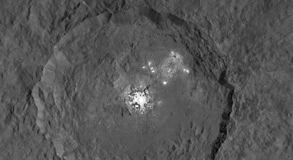 Ceres exhibe sus misteriosos puntos brillantes con máximo detalle