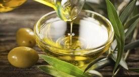 Asocian el aceite de oliva extra virgen con baja del azúcar y colesterol en sangre después de la comida