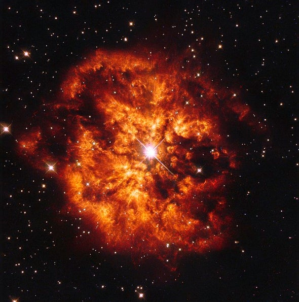 Hubble capta la violenta muerte de una inusual estrella