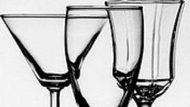 Los 'snobs' del vino tienen razón: la forma de la copa sí afecta el sabor