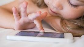 Cada vez más, preescolares poseen tabletas y teléfonos inteligentes