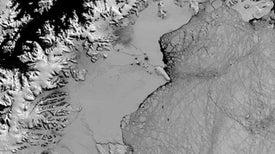 Enorme plataforma de hielo de la Antártida se enfrenta a un inminente colapso