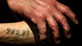 Los sobrevivientes del holocausto recuerdan con resiliencia