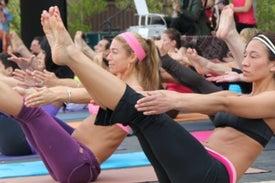 El yoga beneficia la salud cardíaca tanto como el ejercicio aeróbico