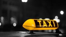 Taxis que se conducen a sí mismos podrían estar en las calles en un año