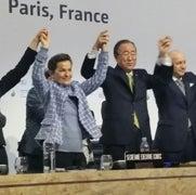 El primer acuerdo global para luchar contra el cambio climático es alcanzado en París