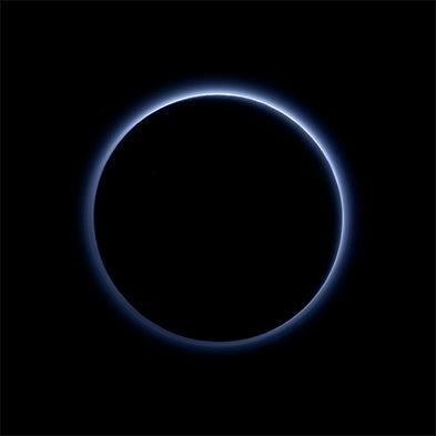 Las peculiaridades de Plutón reveladas en nuevas fotos