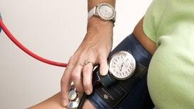 Crece la población mundial con valores altos de presión arterial