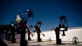 Descubren un planeta parecido a la Tierra orbitando una estrella cercana