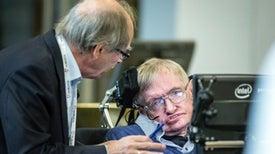 Stephen Hawking aún no ha resuelto la paradoja del agujero negro
