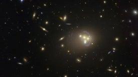 """La materia oscura podría sentir una """"fuerza oscura"""" imperceptible para el resto del universo"""
