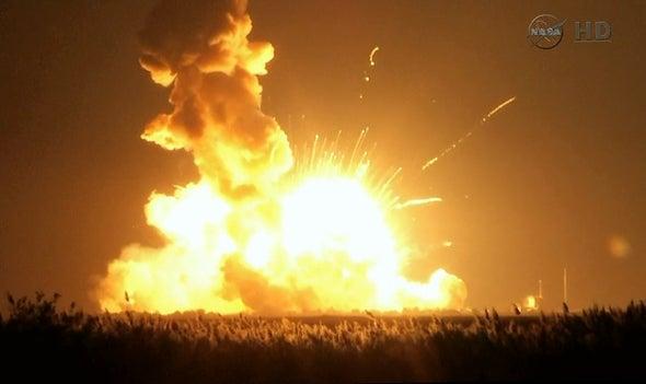 Un cohete rumbo a la ISS explota durante el lanzamiento