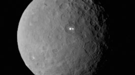 La nave Dawn observa manchas sobre el misterioso Ceres