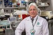 El neurólogo colombiano que podría cambiar cómo se trata el alzhéimer en el mundo