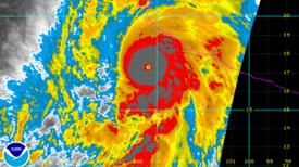 El huracán Patricia se convierte rápidamente en la tormenta más fuerte en la historia del hemisferio occidental