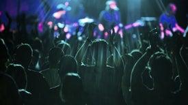 ¿Por qué hay que usar protectores auditivos en los conciertos?