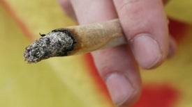 Agencia antinarcóticos de EE. UU. niega petición para reclasificar la marihuana