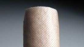 ¿Por qué duele tanto cuando uno se corta con una hoja de papel?