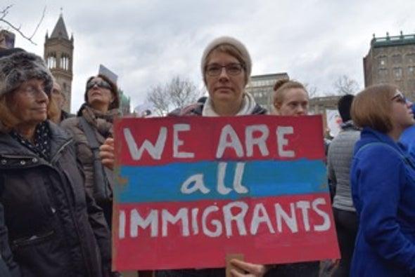 Los científicos encuentran una voz en la masiva protesta por los inmigrantes