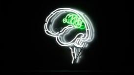 Hay luz al final del bisturí: ¿cómo extraer más tejido canceroso y menos tejido sano del cerebro?