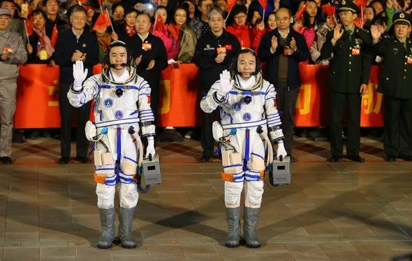 China envía dos 'taikonautas' a su laboratorio espacial