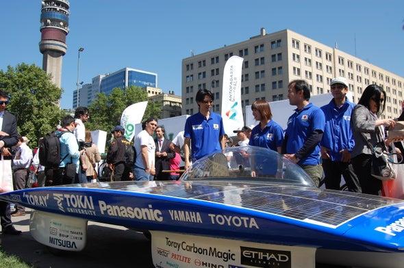 El desafío de atravesar el desierto en un vehículo propulsado por energía solar