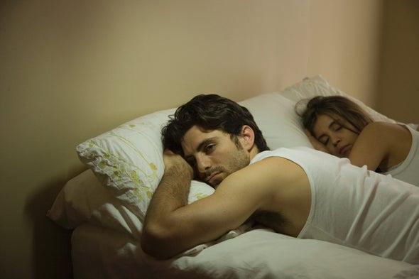Por qué dormimos peor fuera de casa