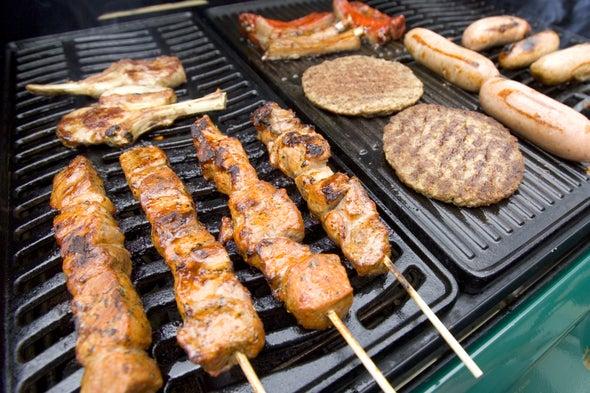 Las carnes rojas y procesadas podrían causar cáncer, dice la OMS