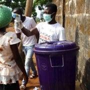 La sangre de un sobreviviente del ébola contiene la promesa de un nuevo tratamiento