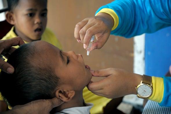 Nuevos esfuerzos para erradicar la polio comenzaron con cambio de vacuna en 150 países
