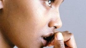 Comerse las uñas puede surgir del perfeccionismo
