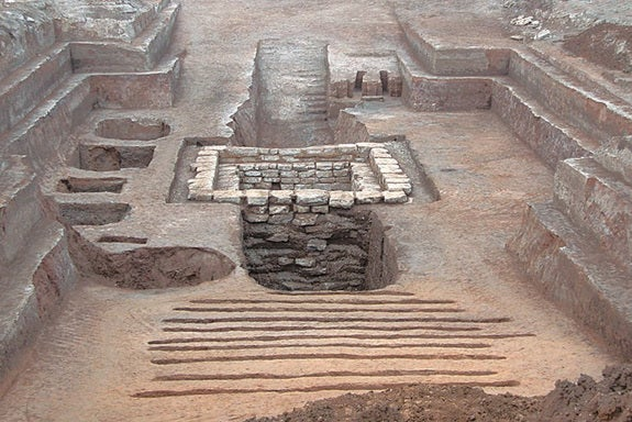 How ancient China and Egypt developed similar structures