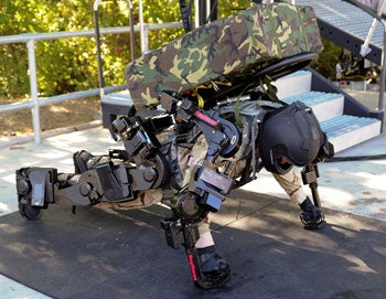 Aerial swarming robots to create communications networks for disaster relief
