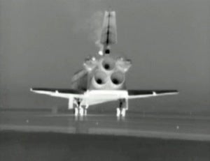 FInal landing of the space shuttle