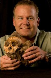 lee_berger_and_sediba_skull.jpg
