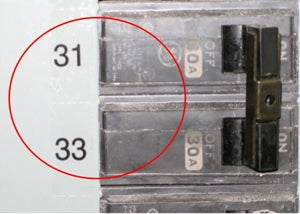 Circuit breaker without safety label