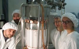 Xenon100 detector in a cleanroom