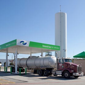LNG-truck-refueling-station