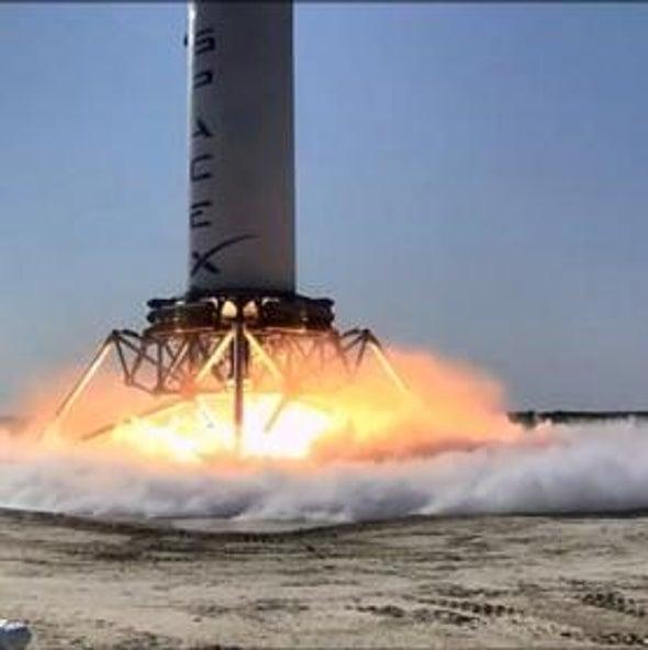 """Reusable """"Grasshopper"""" Rocket Concept Makes First Test Flight"""