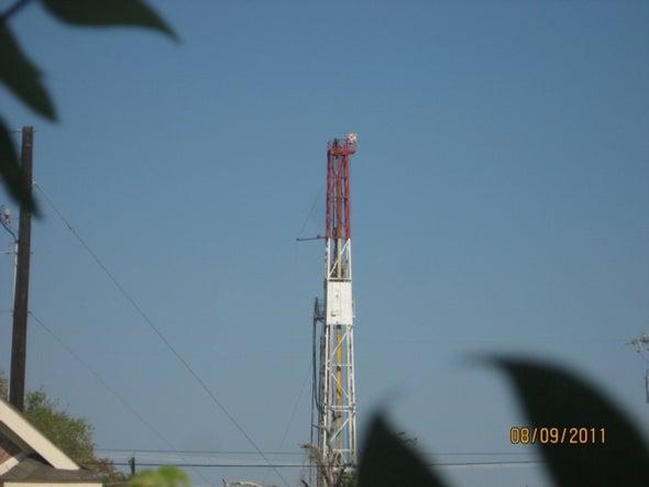 City View: Oil Rig Is Next-Door Neighbor in Texas