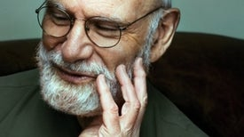 Oliver Sacks, Who Depicted Brain-Disorder Sufferers' Humanity, Dies