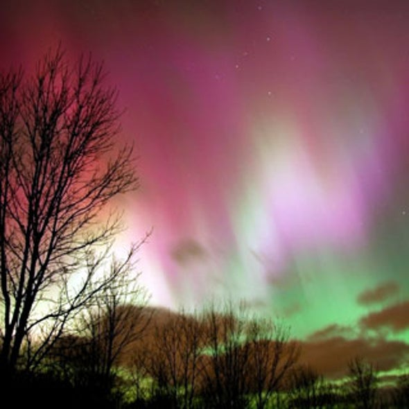"""Mystery of Why Northern Lights """"Dance"""" May Be Solved"""