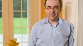 Physicists Criticize Stephen Wolfram's 'Theory of Everything'
