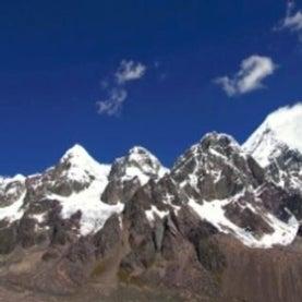 Andes-snow-cap-Ausangate-melting