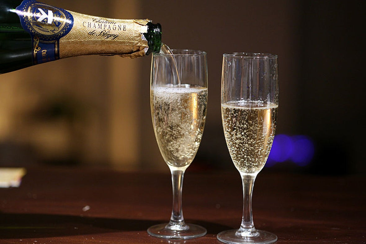 Fact or Fiction: Does a Spoon in the Bottle Keep Champagne Bubbly? -  Scientific American