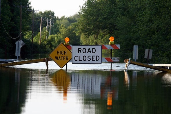 Record Flooding Hits U.S. Midwest, Threatens South