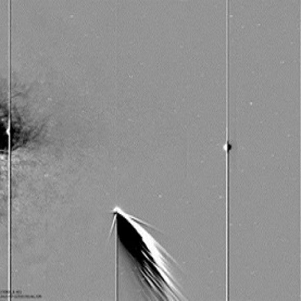 Spacecraft Sees Comet, Earth and Mercury Together