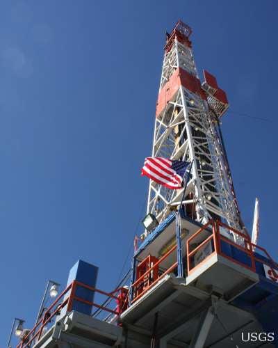 Fracking Threatens to Crack Politics